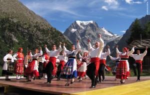 folclore_viana_festival_evolene_suica